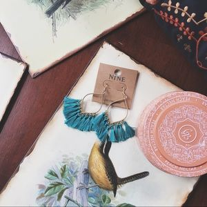 Jewelry - 🌻SALE NWT • blue tassel drop earrings